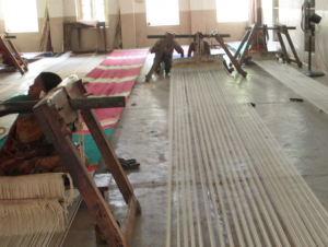 this is how a massive carpet gets woven