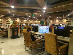 The interior of the internet bar competes with the interior of a classy computer lab.