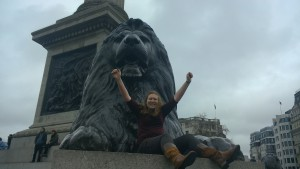 I made it to London! Here's me sitting next to one of the lions in Trafalgar Square. It's actually pretty hard to climb up there if you're not wearing the right shoes (or if you're just a really sucky climber).